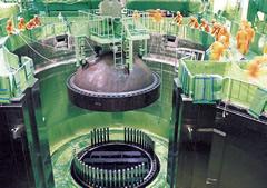 原子炉格納容器、圧力容器とも上蓋を外していた